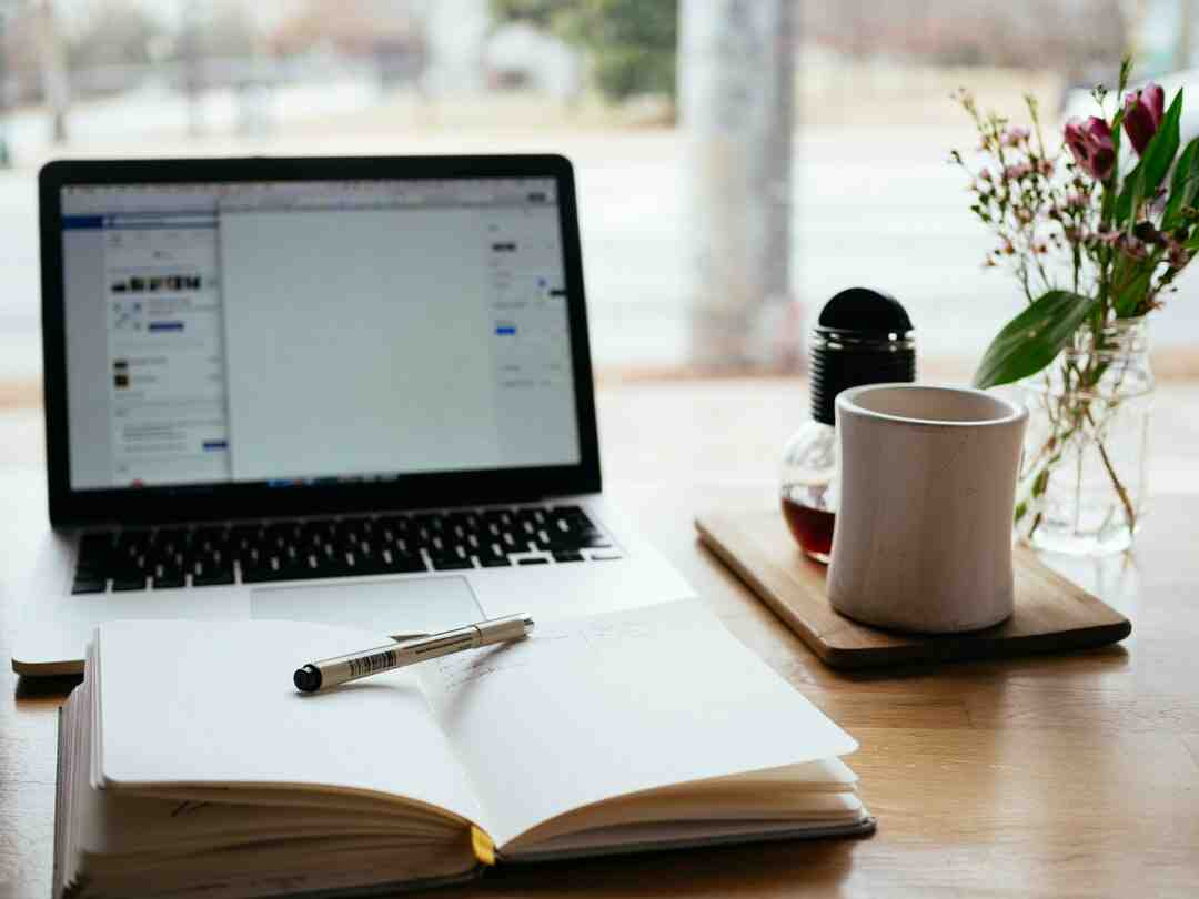 How do beginner bloggers make money?